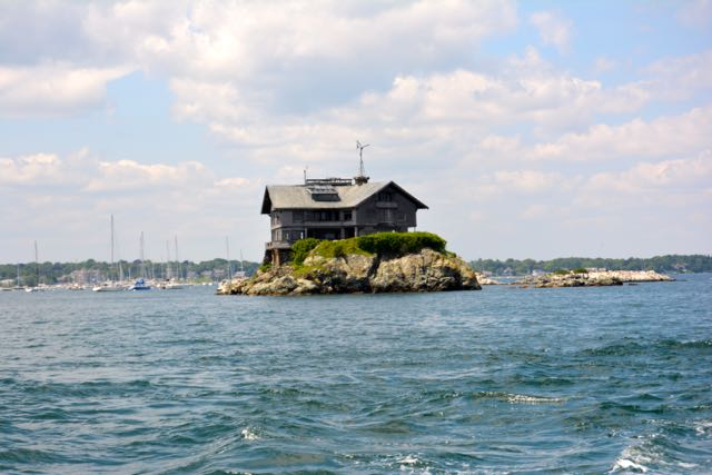 You Can Rent This House In The Newport Habor