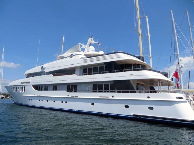 Nice Yacht - New Port